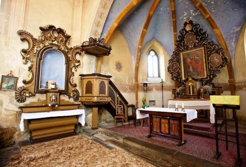 kostele sv. Petra a Pavla v Hořešovicích - interiér